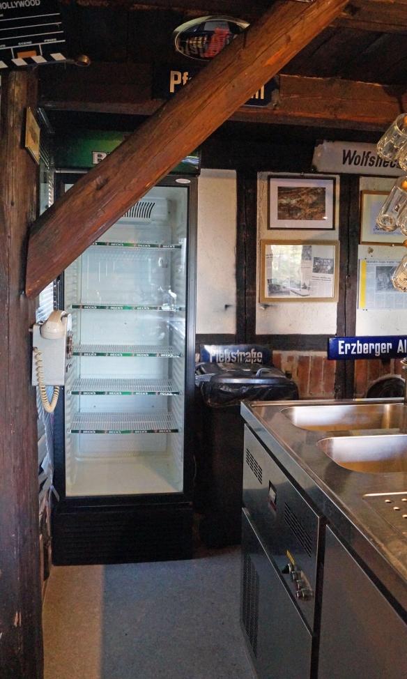 Geräumiger Kühlschrank für Deine Getränke